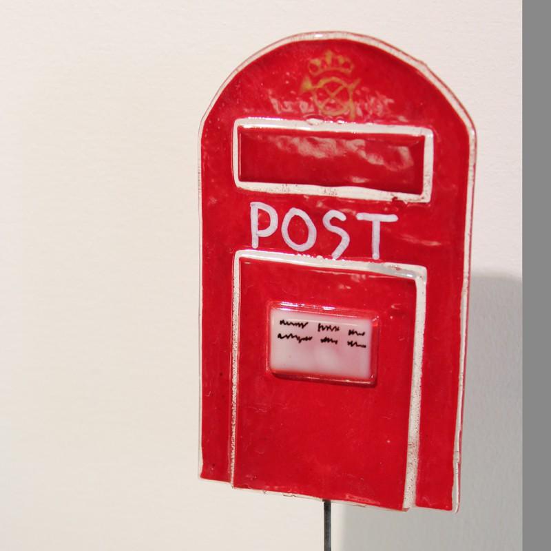 Glas postkasse