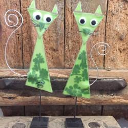 2 grønne glaskatte